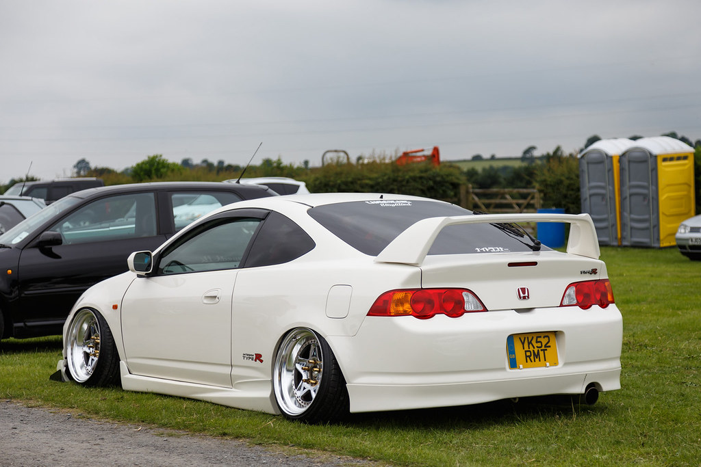 honda integra type r modified and lowered white 2002. Black Bedroom Furniture Sets. Home Design Ideas