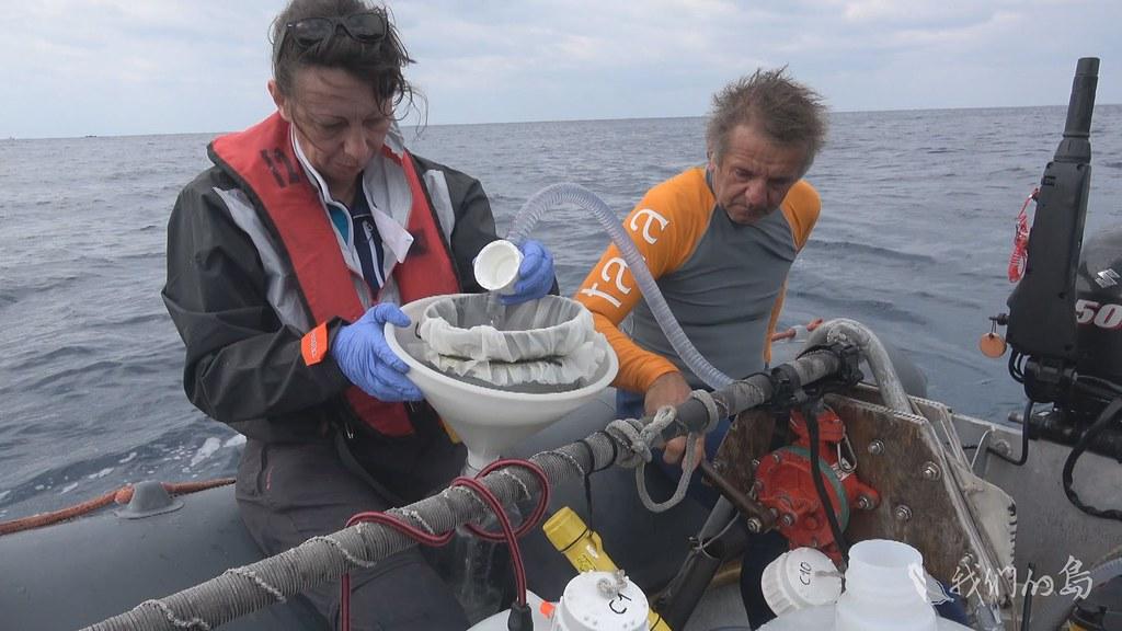 955-1-177一群科學家,展開海洋遠征冒險,他們的任務是在汪洋大海中,帶回氣候變遷的警訊。