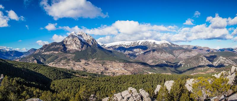 Panorámica del Pedraforca y la Serra del Cadí desde el mirador de Els Graus