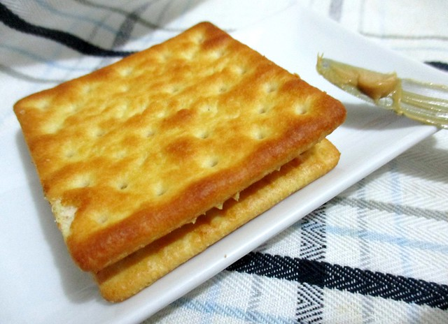 Cream crackers peanut butter sandwich