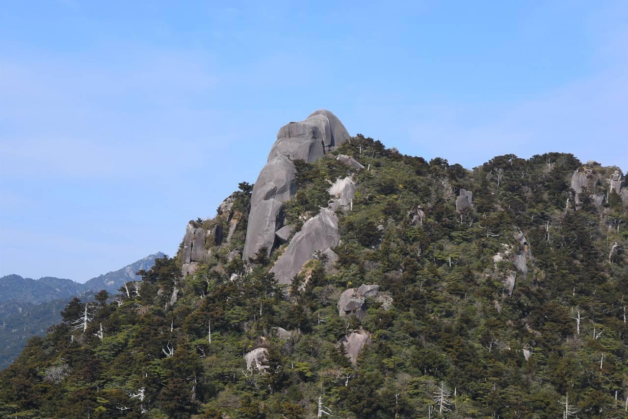 屋久島・花折岳の巨岩