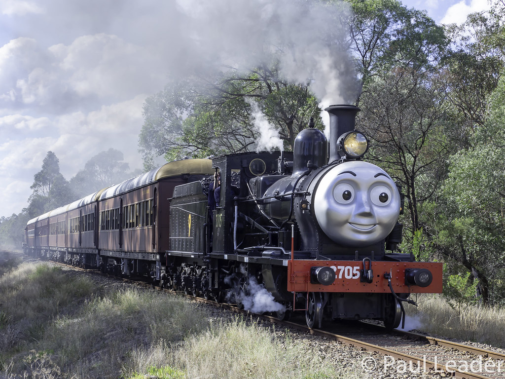 ... Vintage 1913 Z27 class Steam locomotive 2705 of NSW Rail Museum  performing shuttles between Thirlmere and