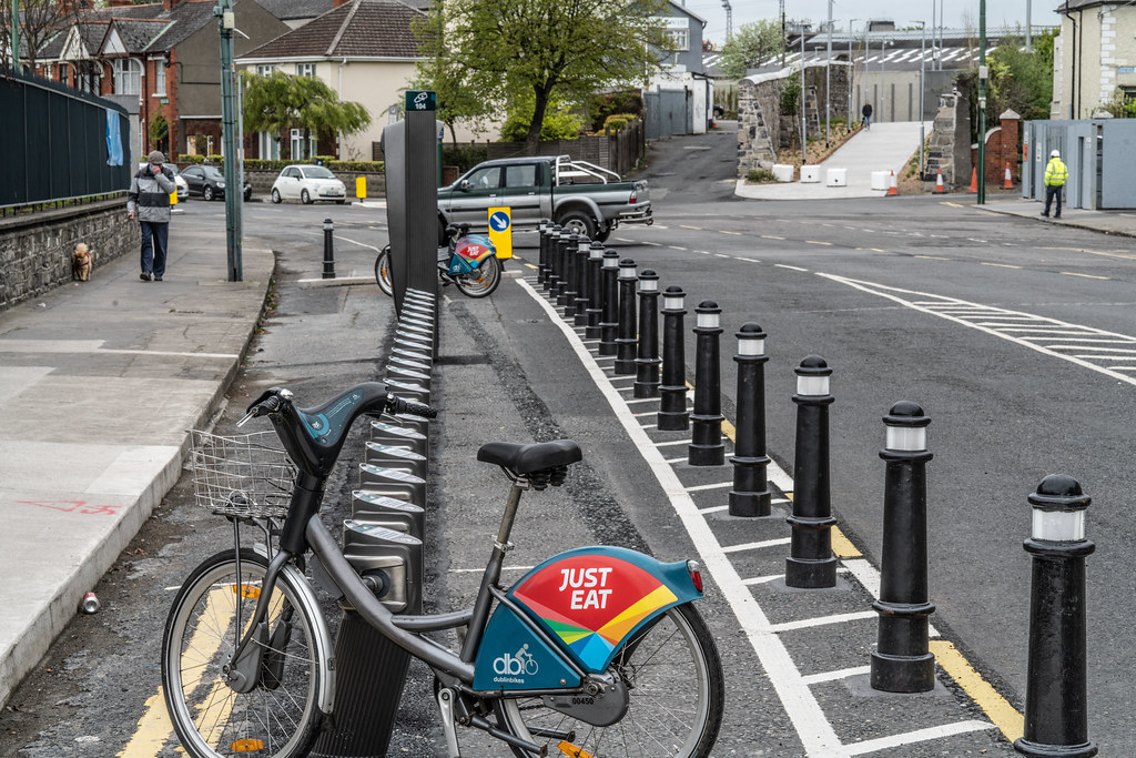 DUBLIN BIKES DOCKING STATION NUMBER 104  001