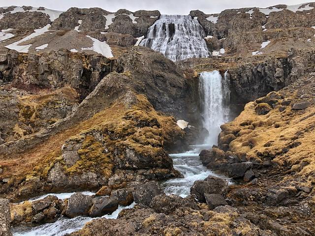 Dynjandi, la gran cascada de los fiordos del oeste en Islandia