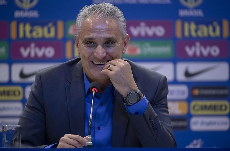 巴西足球國家隊總教練Adenor Leonardo Bachi,通稱Tite,於足協總部舉行的記者會中宣佈2018年世界盃23人名單。(AFP授權)