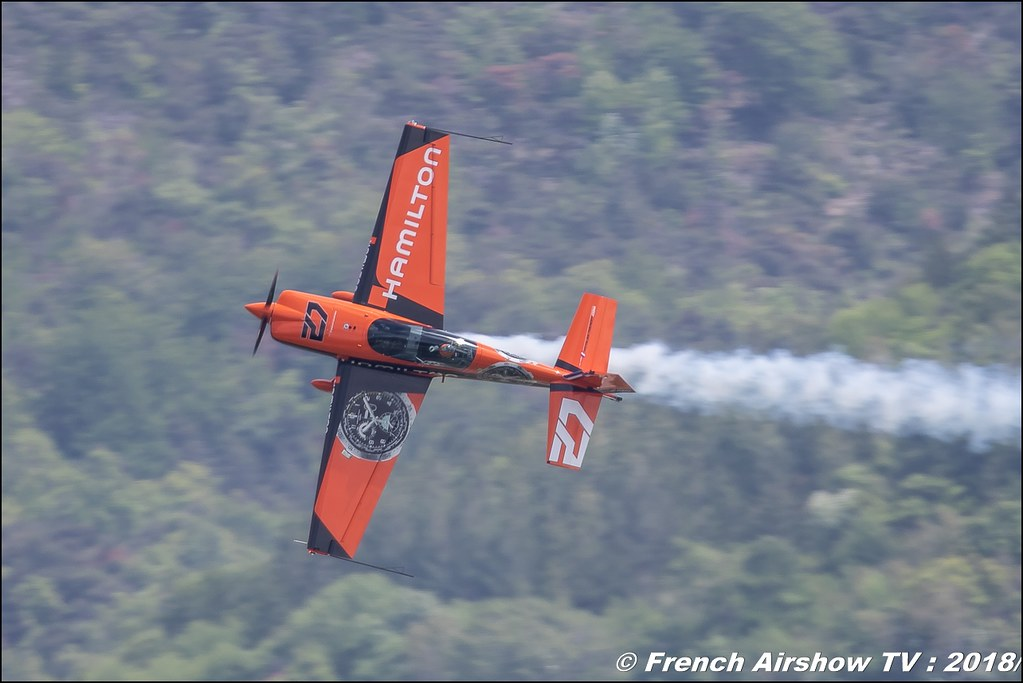 Extra 200 - F-GPIT Voltige avion avec Nicolas IVANOFF , Meeting Aérien Gap-Tallard 12 mai 2018 - Alpes-Envol , Association AGATHA , Canon EOS , Sigma France , contemporary lens , Meeting Aerien 2018