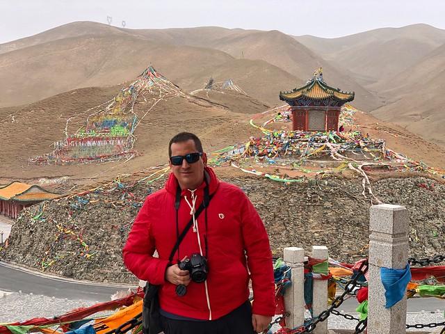 Sele en Riyue (templos del Sol y la luna en Qinghai, China)