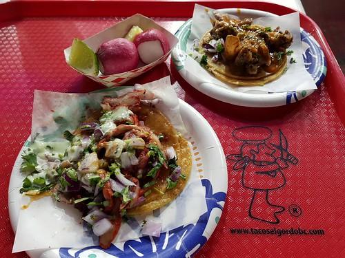 Adobada al pastor y tripas tacos