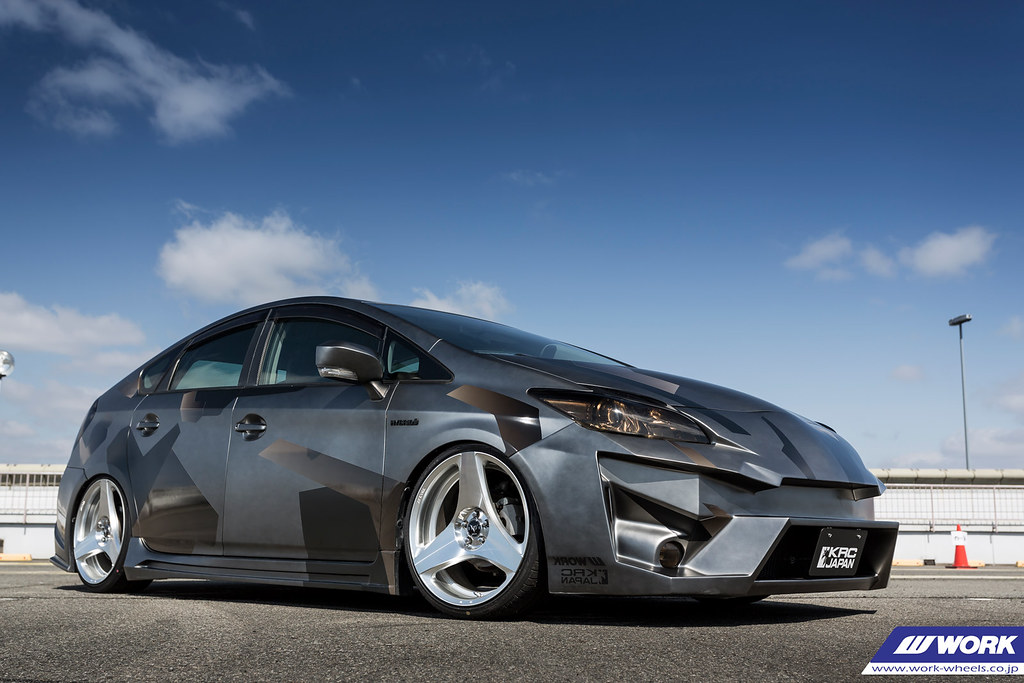 Krc Modified Toyota Prius On Work Ryver S003h F R 19x8