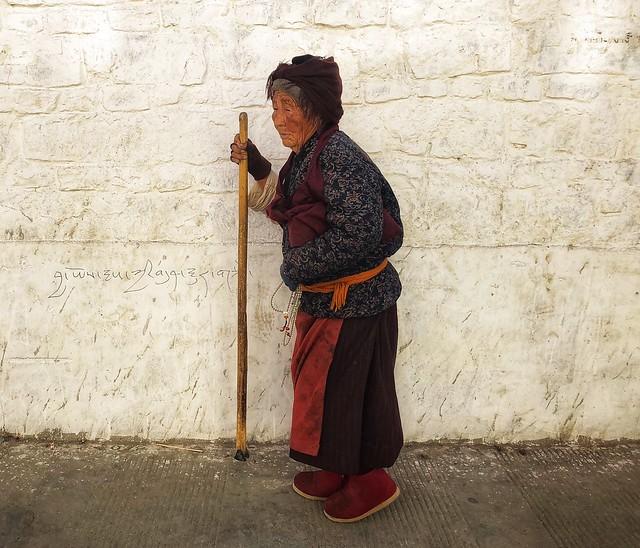 Mujer anciana del Tíbet