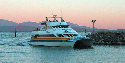 Magnetic Island Ferry  Month Ti Kwt
