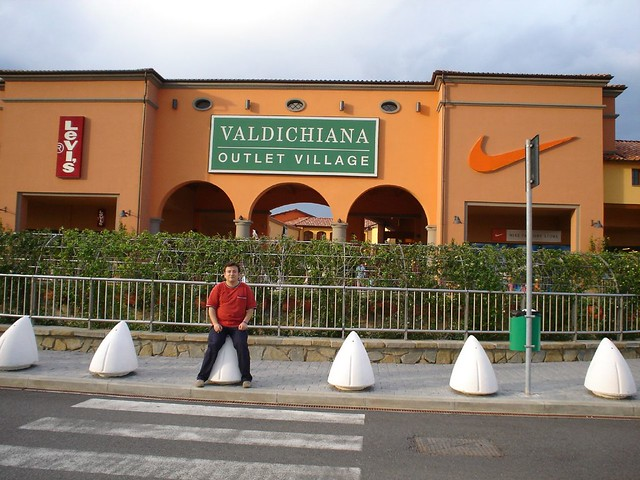Io al Valdichiana Outlet Village, Foiano della Chiana (AR)… | Flickr