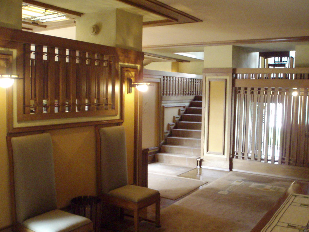 Meyer may home by frank lloyd wright grand rapids mi for Lloyds architecture planning interiors
