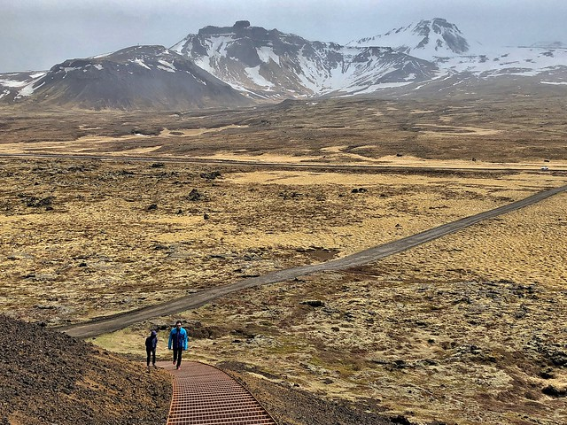 Subida al cráter Sáxholl (Snaefellsnes, Islandia)