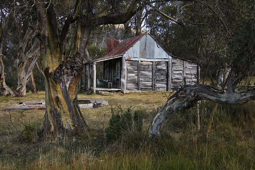 wheelers hut | by Murray Valley Bushwalkers