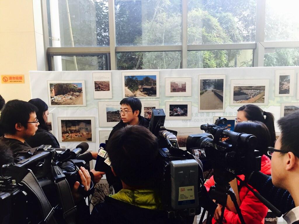 毛達透過媒體,跟大家訴說零廢棄的理念,以及中國的垃圾問題。圖片:毛達提供。