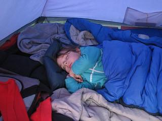Найменша учасниця походу солодко і довго спала