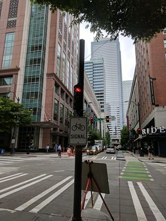 Diary of a Commute Bike: Seattle Stop Light on 7th Ave | by kfergos