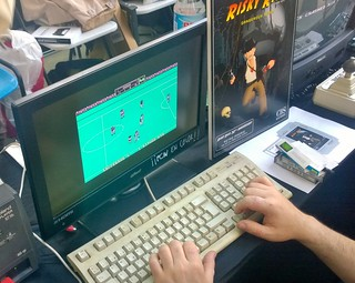 Retro Madrid 2018: puesto del GUA | by Deep Fried Brains
