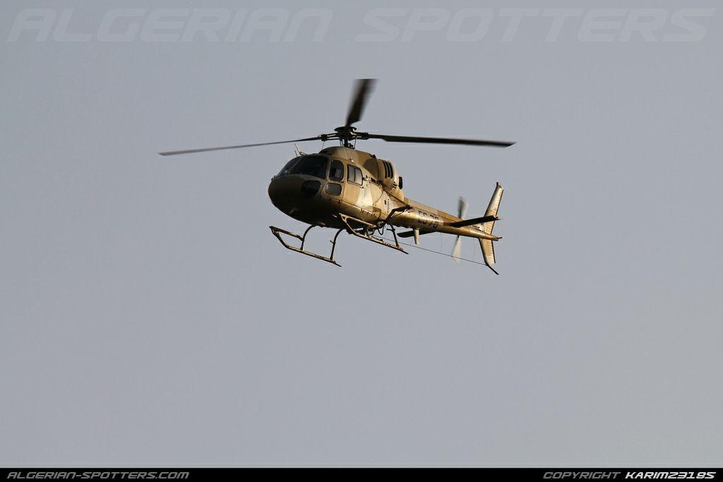 صور مروحيات القوات الجوية الجزائرية Ecureuil/Fennec ] AS-355N2 / AS-555N ] - صفحة 7 27450066047_d9c67c703d_o