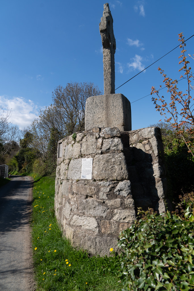HIGH CROSS NEAR TULLY CHURCH 001