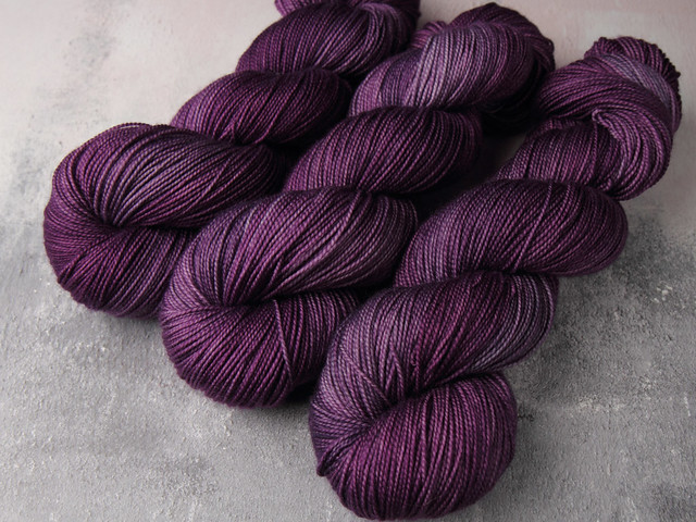 Favourite Sock – hand-dyed superwash merino wool yarn 4 ply/fingering 100g – 'Brixton Purple'
