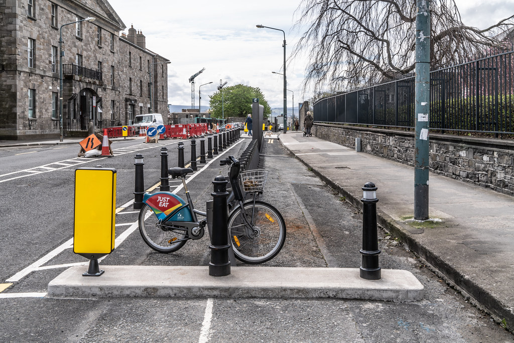 DUBLIN BIKES DOCKING STATION NUMBER 104  006