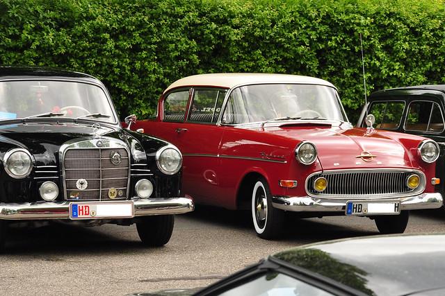 1. Mai 2018_Oldtimer-Treffen in Ketsch_Fotos: Brigitte Stolle_links: Mercedes Benz 180 (1952-62), rechts: Opel Rekord (1957-60)
