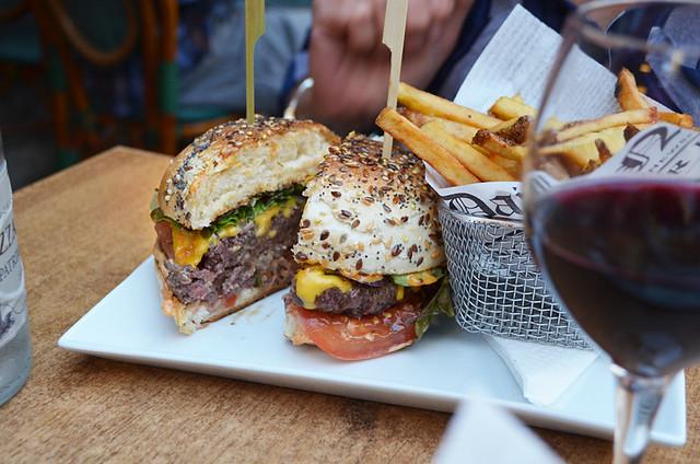 Proper burger, Corsica
