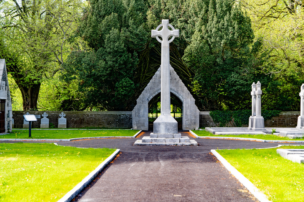 ST. PATRICK'S COLLEGE CEMETERY IN MAYNOOTH  006