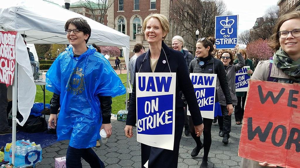 哥大兼任助理的罷工行動也獲得部份民主黨政治人物支持。(GWC-UAW提供)