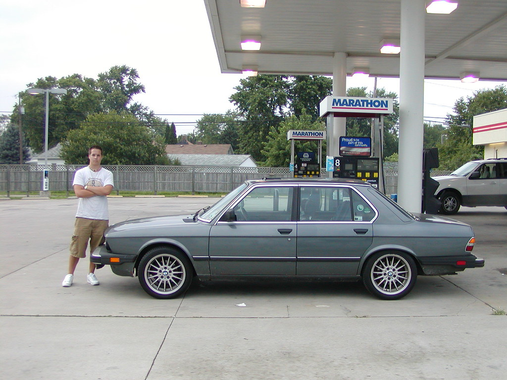 1986 Bmw 535i E28 5 Series Getting Gas On The Old Us Highw Flickr Welcometoalville By