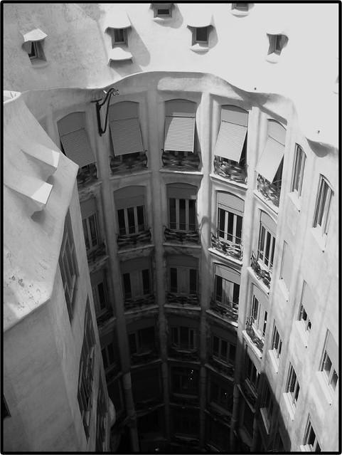 Courtyard in Casa Mila | The center courtyard in La ...