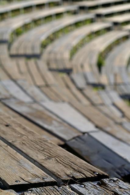 GRADINI DI LEGNO  gradini in legno del teatro Greco di Taor ...