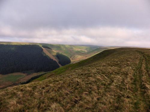 Following the top of Alport Valley to Westend Moor