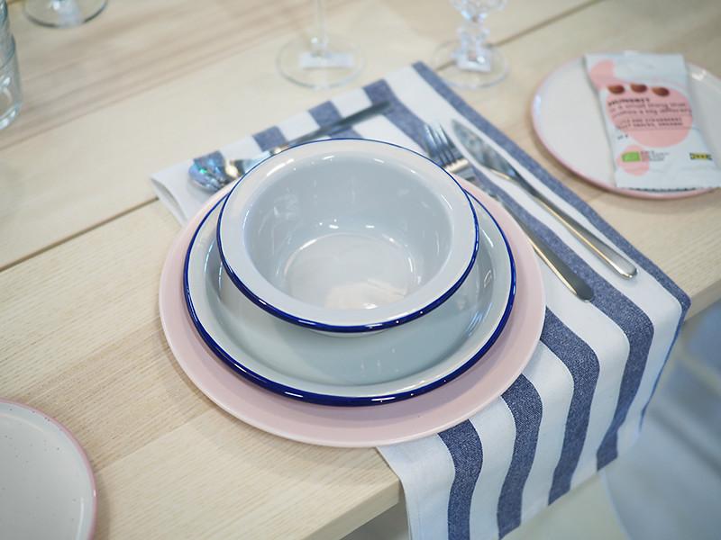 Emaliset lautaset IKEA