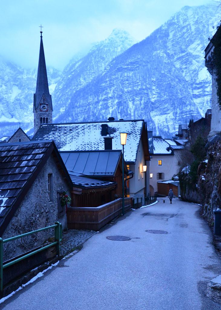 Hallstatt, en invierno, iluminado