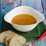 Suppe aus Karotte, Paprika und Aubergine