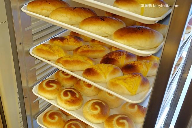 42165356191 8d592791cf b - 台中藏阿胖-羅芙青蔥麵包 | 一出爐秒殺狂掃30個,每日限量1500個、二小時就完售!