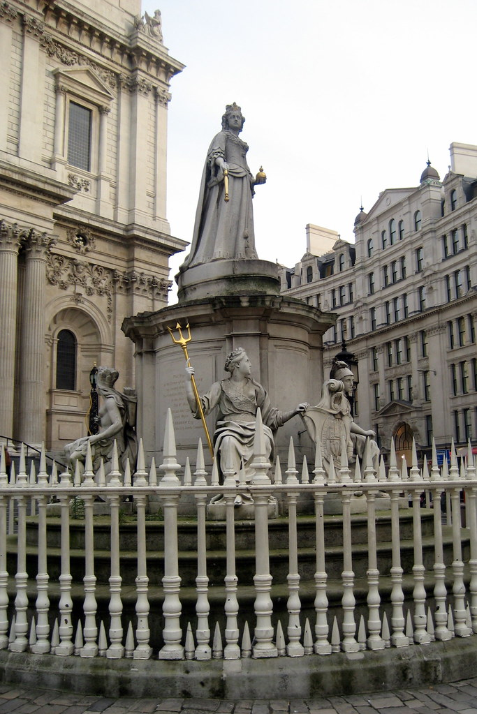 Uk London The City Queen Anne S Statue At St Paul S