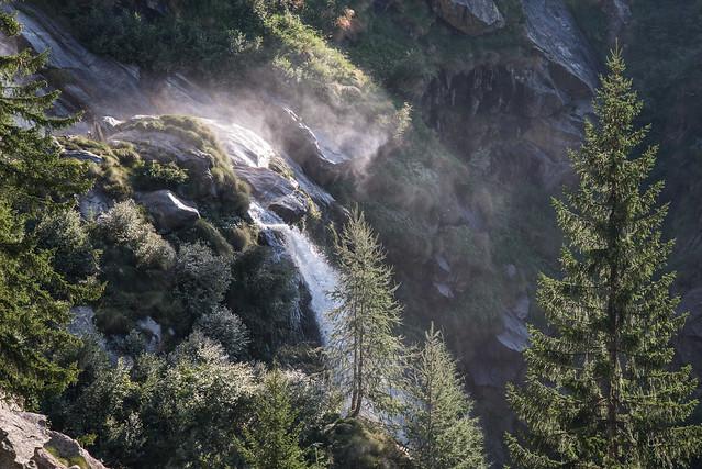 Anello delle dighe della Valle Antrona -  Salendo verso la diga di Camposecco