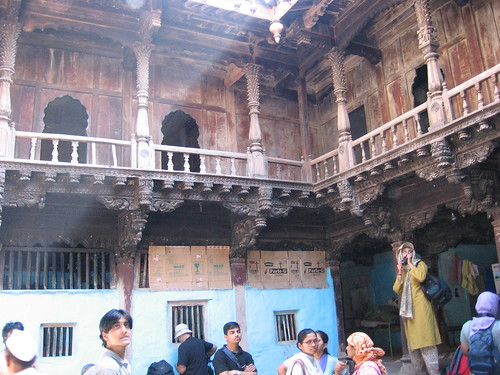 Palshi wada this wood constructed is in gaon