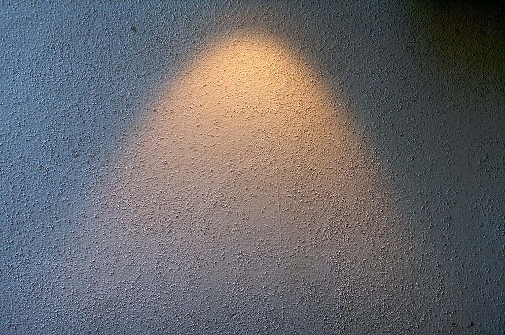 light on wall | Stephen Gray | Flickr