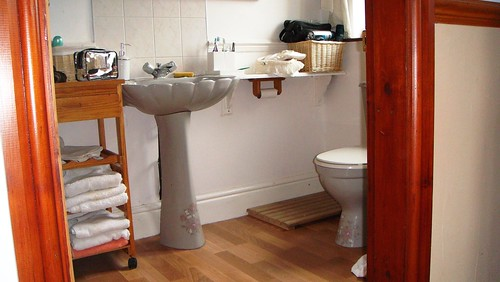 Ensuite Room To Rent In New Malden