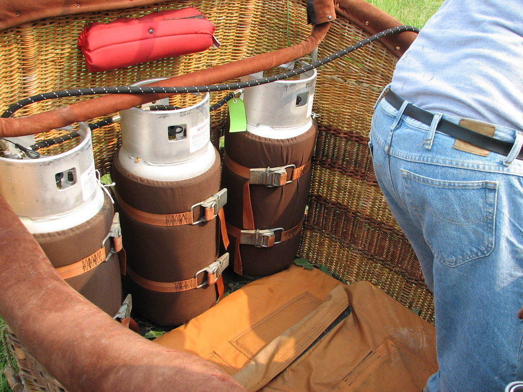 What S Inside Of Hot Air Balloon Basket Looks Like Flickr