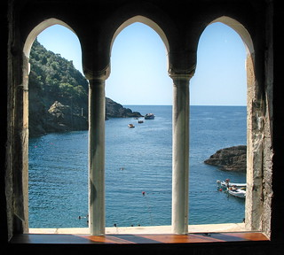 Three mullioned window - Trifora | by klausthebest