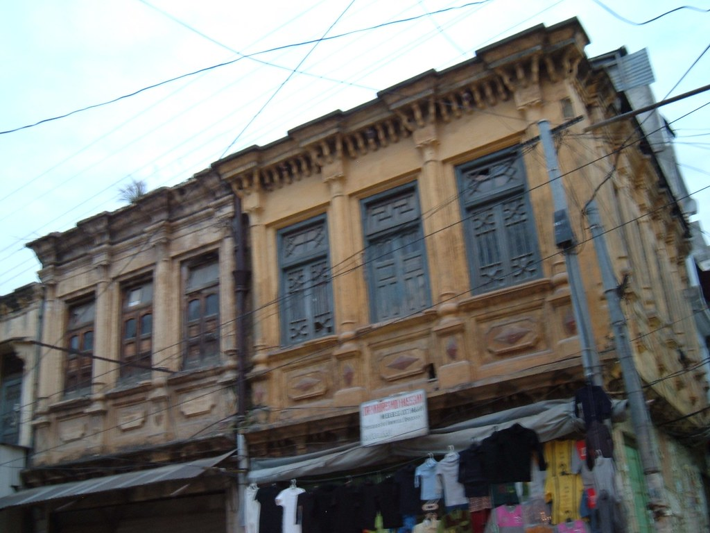 Ugly Illegal Plazas Replacing Original Buildings Of Abbottabad Bazarplease Note That Due To Earthquake