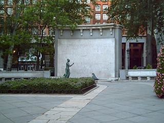 Monumento a Eugenio d'Ors (Madrid) 02 | by Zaqarbal