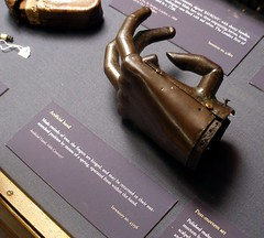 Artifical hand