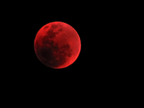 Lunar Eclipse: 28.08.2007 | by brokengod